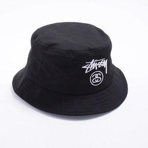 [Stussy] Logo Black Bucket Hat - Size L/XL